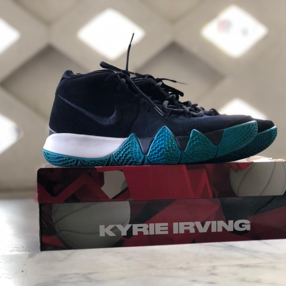 sale retailer df544 08f4d [WTS] Brand New Kyrie 4
