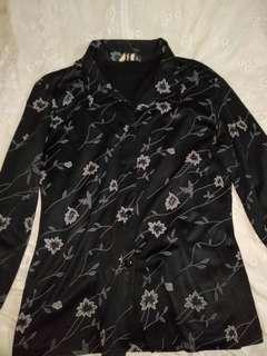 Kemeja hitam bunga/floral