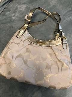Guess gold & white handbag