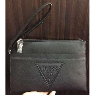 Considered PRELOVED (not used, only price tag removed) 100% Original Guess BaldwinPark Large Black Wristlet Purse