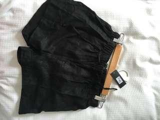 Glassons black linen shorts