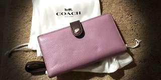 🚚 AUTHENTIC Brand New COACH wristlet pebble leather (medium)