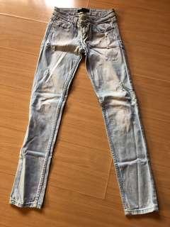 F21 denim pants size 26