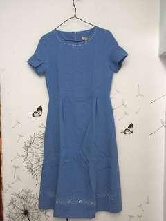 Light blue dress with glow