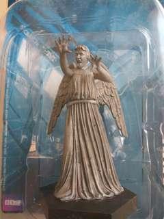 Weeping Angel 1:21 statue
