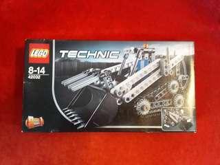 LEGO 42032