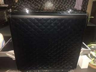 Armando Carusso Black Prism Beauty Case