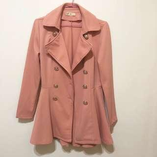 🚚 近全新轉賣 sweesa 水莎 雙排扣排釦翻領傘狀裙擺洋裝式風衣西裝外套 櫻花粉紅