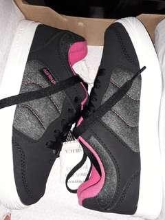 Sepatu anak Airwalk Size 30