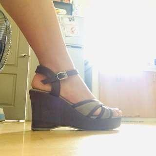 Brown Wedge Size 7