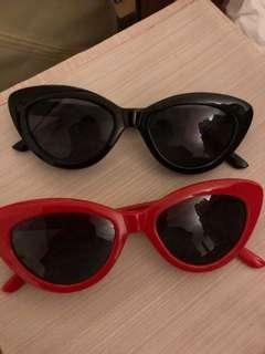 Reduced****Trendy sunglasses black and red