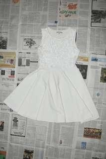 CHIC SIMPLE White Flare Dress