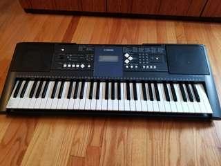 Yamaha Keyboard, PSR E333, 61 keynotes.