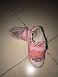 Clarks girls floral shoes. Size UK 9.5