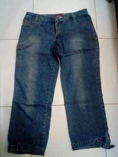 Celana jeans sebetis