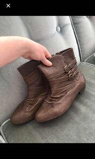Brown boots! ( price drop)