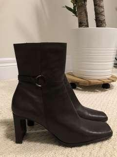 Size 8 Square Toe Booties (Dark Brown)