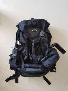🚚 Oakley bagpack