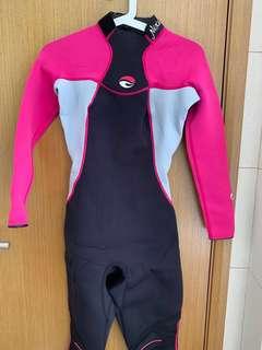 fc79e2b661 Medium Size 3 4 sleeves Body Glove Scuba Diving Wetsuit