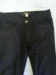 🚚 牛仔褲,黑色窄管