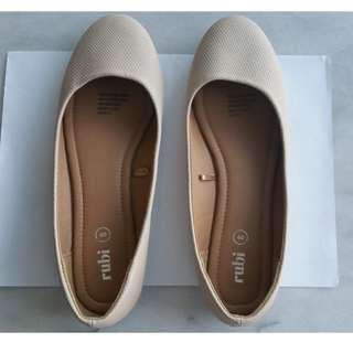 Brand New Beige Rubi Ballet Flats Shoes Size 40