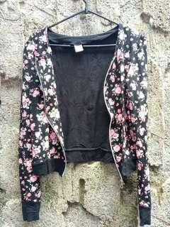 Outer/atasan jacket bhn spandek bunga2 embos 2wrna