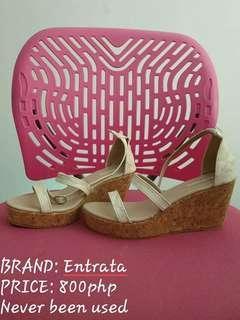 Entrata sandals