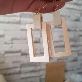Anting2 kayu