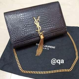 b845b0d86a3d YSL Yves Saint Laurent Paris Classic Kate Chain Crocodile Embossed Leather  Black Bag Gold Tassel Size