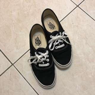 🚚 Vans 黑色帆布休閒鞋 23.5cm