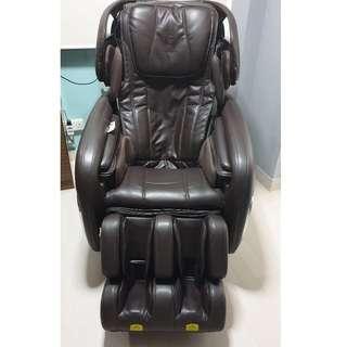 Ogawa Smart DeLight plus - Quadro Tech massage Chair.