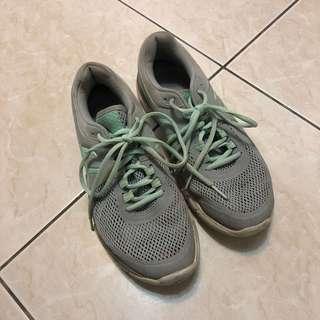 🚚 asics灰色運動鞋