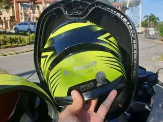 LS2 Stream Motorcycle Helmet in XXL
