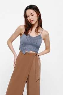 🚚 Haspeth Embroidered Crop Top