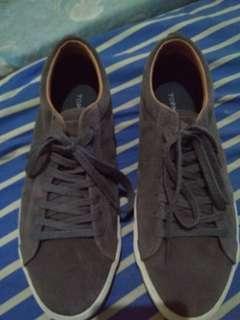 Sepatu topman
