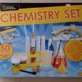 National Geographic chemistry set