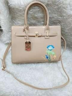 Bellezza hand and sling New