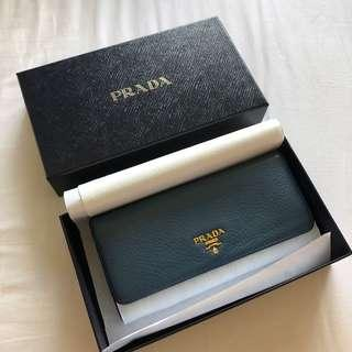🚚 Used Prada Wallet in Bluette Saffiano Leather