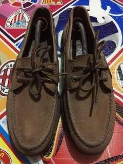 Sepatu kulit Sperry