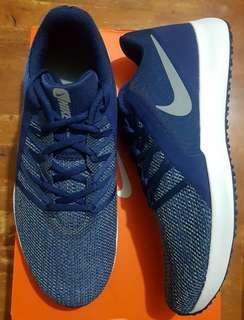 Nike Varsity Compete Trainer size 10.5 US for men