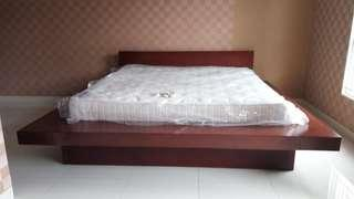Di jual spring bed Serta set dengan ranjangnya