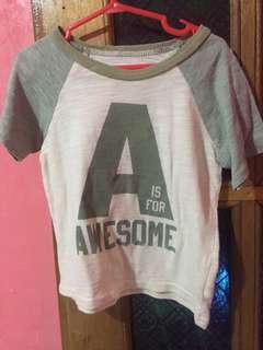 Old Navy Tshirt. 18M to 24M   2T