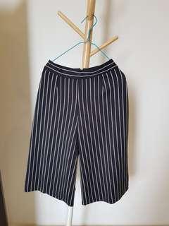 Strippeds pants