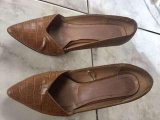 Executive shoes brown