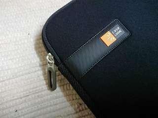 🚚 美國CASE LOGIC 13吋筆電保護套