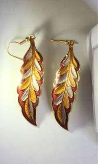 dangle earrings leaf shape