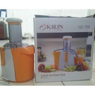 Juicer Merk KIRIN Tipe KJE-398
