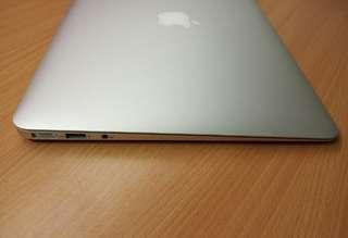MacBook Air 13inch 128GB