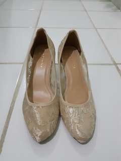 Sepatu Lace Lynelle Nude (used once)