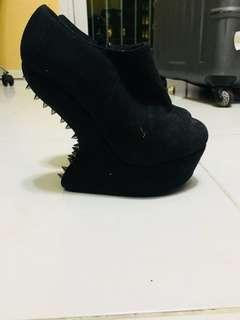 Jeffrey Campbell like booties